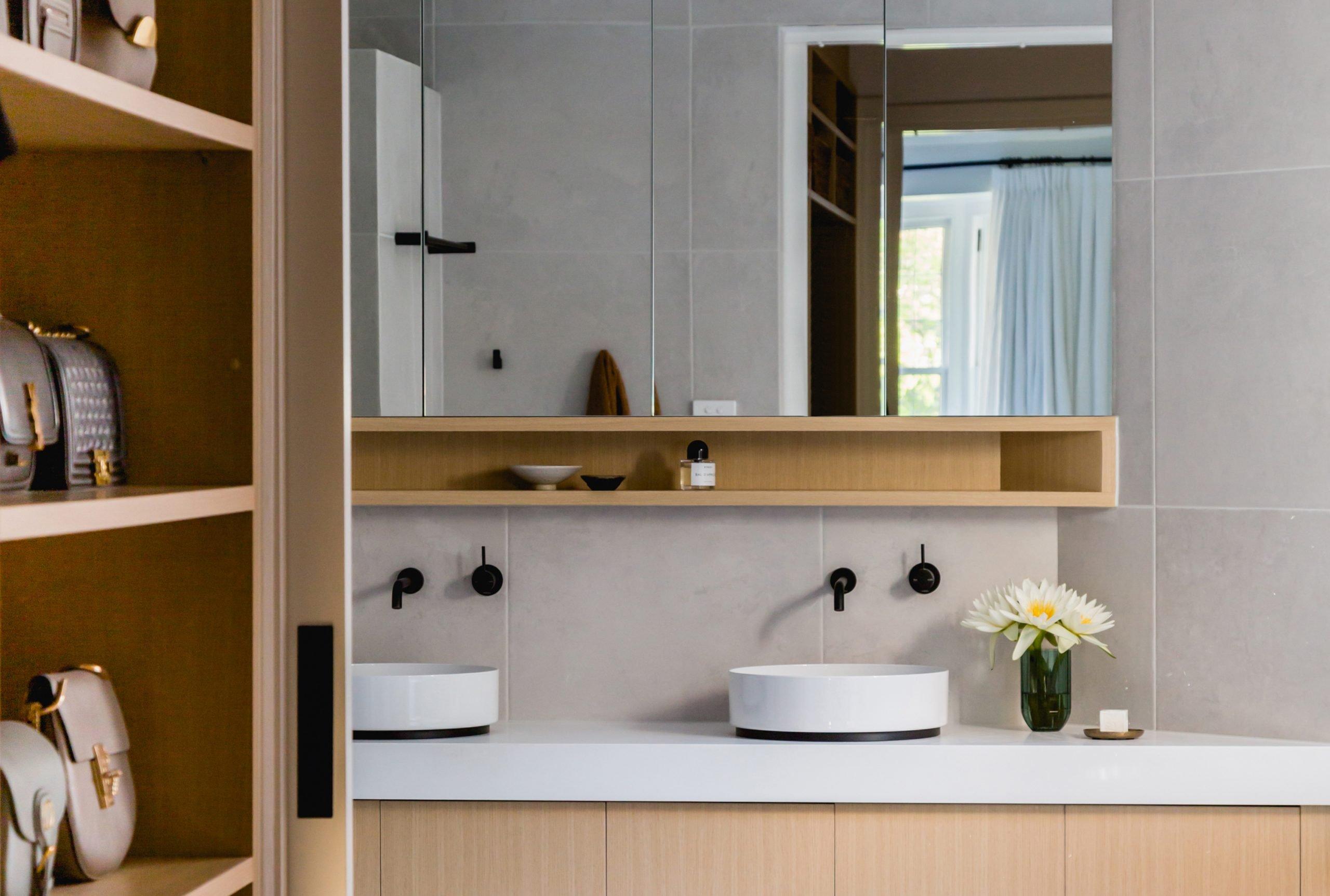 Malvern_East-Glenbrook_Ave-Bathroom-02a